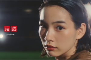 ユニクロ カーブパンツ CM女優 誰